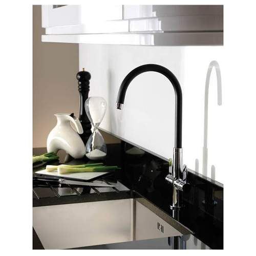 LINEAR NERO Spout Kitchen Tap