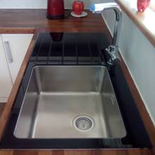 Bluci KubeVetro Glass Kitchen Sink