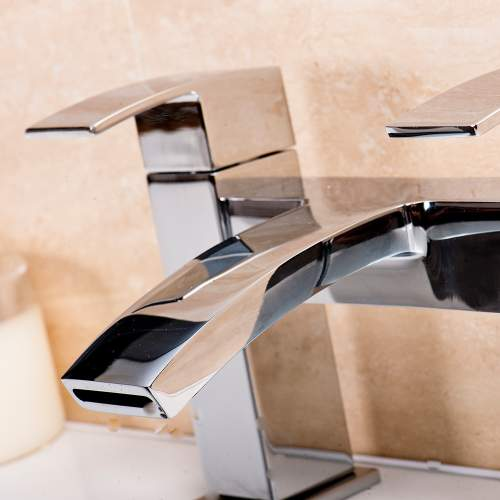 Aquabro PEAK Bath Filler Tap